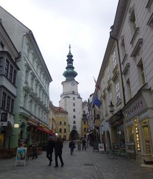 2ゲートの門塔スロバキア.jpg